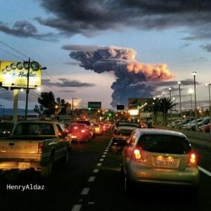Tungurahua-volcano-4-4-2014-Henry-Aldaz-e1396688409420